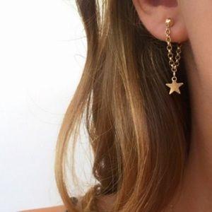 Jewelry - Dainty star earrings ✨ NEW